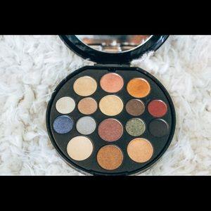 ✰ NWOT Elizabeth Arden eyeshadow palette ✰